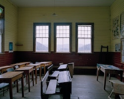 Cared for by local residents, Blackwater School lies on the road to Waiuta. The school house is kept as close as possible to its original setup. It was in use from 1913 until 1949, with Blackwater having a population of 149 in a census of 1901.